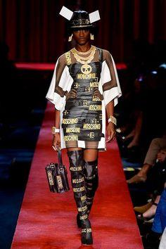 Moschino SS 2017 Fashion Show