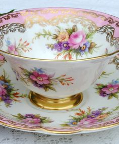 , You are able to enjoy morning meal or different time periods applying tea cups. Tea cups likewise have decorative features. When you consider the tea cup designs, you might find this clearly. Tea Cup Set, My Cup Of Tea, Cup And Saucer Set, Tea Cup Saucer, Tea Sets, Antique Tea Cups, Vintage Cups, Shabby Vintage, Vintage China