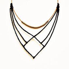 Collar de macrame negro con perlas y cuero por TheDancingCord