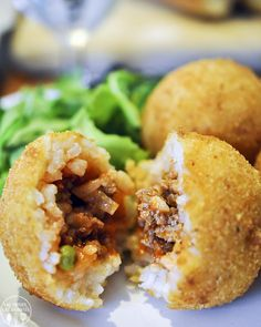 Arancini is authentic Sicilian cuisine - a ragu stuffed rice ball dipped in bread crumbs and fried. Make these and your friends will believe you just became an Italian. - The Most Healthy Foods Food Network Recipes, Cooking Recipes, Dishes Recipes, Italian Dishes, Italian Foods, Snacks, Appetizer Recipes, Appetizers, Gastronomia