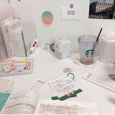 Study Board, Study Desk, Study Space, Work Desk, Study Room Decor, Study Rooms, School Motivation, Study Motivation, Study Corner