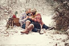 winter engagement session / Snow photography/ couples session VeLvet OwL Photography Blog » Photography Blog