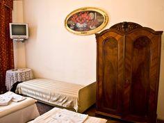 Najlepsze noclegi w Krakowie. Apartamenty Florian przy ul. Zyblikiewicza  http://krakowforfun.com/pl/4/apartamenty/miodowy-xxi