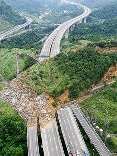 Landslide in Taiwan after strong 6.5 magnitude earthquake - via worldexplore.eu's photo on Google+