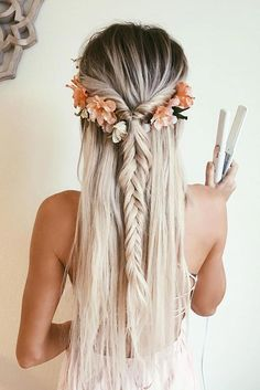 21 Cutest and Most Beautiful Homecoming Hairstyles - Cutest and Most Beautiful Homecoming Hairstyles ? See more: http://glaminati.com/homecoming-hairstyles-medium-long-hair/ (Most Beauty Hairstyles)