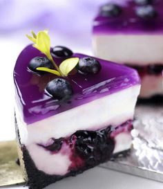 This looks amazing! Cheesecake with blueberry glaze.