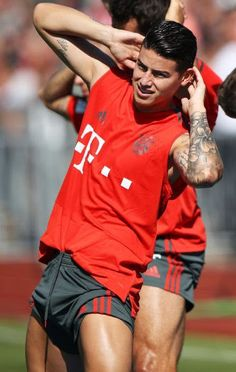 Soccer Players Hot, Football Players Images, Soccer Guys, James Rodriguez Colombia, James Rodrigues, Sports Mix, Toni Kroos, Sports Celebrities, Men In Uniform