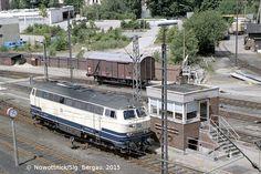 – Oldenburg (Oldb) Hbf - aus dem Bw kam war 216 die sich um in Bewegung setzte. Oldenburg, Electric Locomotive, Diesel Locomotive, Ferrat, Model Trains, Europe, Train, Veils, Railroad Pictures