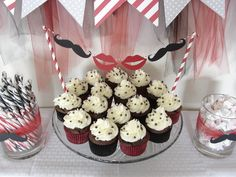 Mustache and Lips Party #mustacheparty #cupcakes