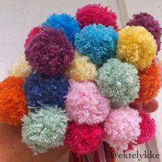 Happy pom-poms Happy, Color, Jewelry, Hand Crafts, Colour, Jewellery Making, Jewerly, Jewelery, Ser Feliz