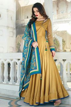 This Colour Combo Indian Gowns, Pakistani Dresses, Indian Outfits, Kurta Designs, Blouse Designs, Look Short, Anarkali Dress, Lehenga, Designer Anarkali