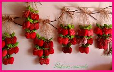 ♥♥Penduricos de maçãs ♥♥ by Gabriola Costurinha, via Flickr
