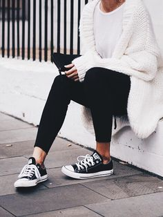Winter //  Top- plain white t-shirt // Pants- plain black leggings // Shoes- low top black converse // Overlay- oversized white chunky knit cardigan // Accessories- plain black rectangle purse