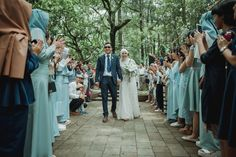 Pernikahan dengan Suasana Alam ala Wewa dan Ojel - WewaOjel_by_rifanwahyudi 0050 Outdoor Wedding Decorations, Wedding Themes, Wedding Colors, Wedding Venues, Wedding Dresses, Wedding Makeup Looks, Colour Pallette, Wedding Planning, Wedding Invitations