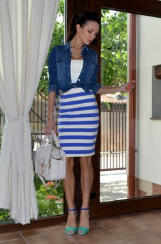 denim pencil skirt outfit ideas - Google 検索 | Things to Wear ...