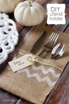 No-sew burlap utensil holder via I Heart Nap Time on Tatertots and Jello blog! Super easy DIY that will fancy any table setting!  I am making mine with orange chevron stripe.
