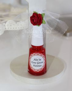 bachelorette party gift nail polish This would make a cute favour .