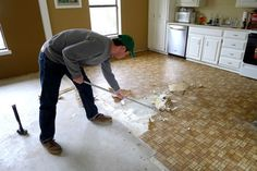How to replace linoleum floor in a correct way