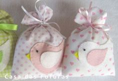 So sweet--great idea for baby shower favor Baby Shawer, Baby Kit, Felt Crafts, Fabric Crafts, Diy Crafts, Baby Shower Favors, Baby Shower Parties, Lavender Bags, Lavender Sachets