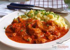 Ungarisches Paprika-Gulasch mit Nockerln   Top-Rezepte.de