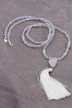 Boho-chic- Naszyjnik- 23BH Beautiful unique blue Mala necklace With White Tassel