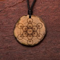 Metatron - Ketten Holzschmuck aus Naturholz / Anhänger Dream Catcher, Washer Necklace, Vegan, Tattoos, Jewelry, Necklaces, Sewing Leather, Chains, Ear Piercings