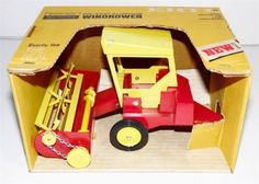 MINT-IN-BOX-OLD-STORE-STOCK-60S-70S-ERTL-SPERRY-RAND-NEW-HOLLAND-WINDROWER