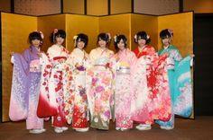 SKE 48 members in kimonos.