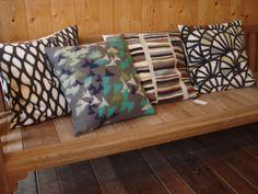 Vilt in het Interieur - Ineke Carolus, Viltkunst in Friesland Felt Pillow, Handmade Felt, Felting, Cushions, Throw Pillows, Artists, Creative, Crafts, Home