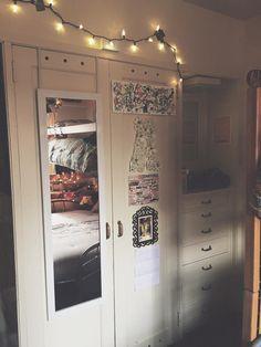 closet and dresser decorations for a dorm room! girl room university of minnesota single room