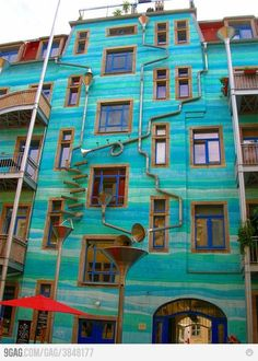 Makes Music When It Rains..... COOL!!!