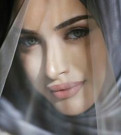 Hijab Bride, Wedding Hijab, Girl Hijab, Muslim Brides, Muslim Women, Muslim Couple Photography, Niqab Fashion, Beautiful Barbie Dolls, Beauty Shoot