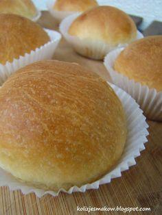 Pączki pieczone w piekarniku z marmoladą różaną i lukrem pomarańczowym. Po przepis zapraszamy na bloga :)