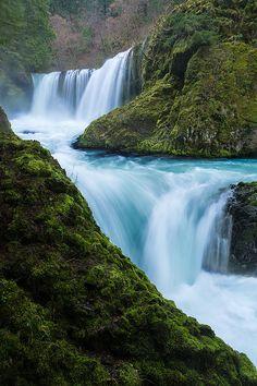Spirit Falls, Columbia River Gorge National Scenic Area, Washington, USA
