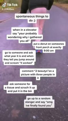 Crazy Funny Videos, Super Funny Videos, Stupid Funny Memes, Haha Funny, Hilarious, Crazy Best Friends, Crazy Things To Do With Friends, Funny Mind Tricks, Fun Sleepover Ideas