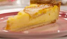 Lekkerder as melktert peertert South African Desserts, South African Recipes, Sweet Pie, Sweet Tarts, Sweet Recipes, Cake Recipes, Melktert, Yummy Treats, Yummy Food
