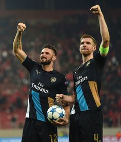 Giroud and Mertesacker.