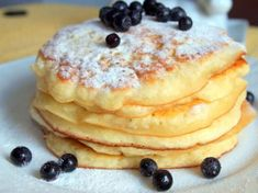 Pancakes at yogurt in 30 minutes: the perfect breakfast. How To Cook Pancakes, Crepes And Waffles, Cookie Desserts, Cookie Recipes, Dessert Recipes, Breakfast Recipes, Delicious Desserts, Yummy Food, Cooking Bread