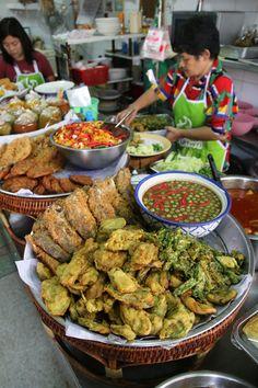 krua aroy aroy Krua Aroy Aroy   Good Khao Soi in Bangkok, but not much else... http://www.eatingthaifood.com/2013/11/krua-aroy-aroy-khao-soi-in-bangkok/