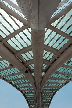 Pedestrian bridge in Petah Tikva, designed by Santiago Calatrava., via Flickr.