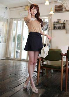 Kim Shin Yeong Ulzzang Fashion, Ulzzang Girl, Fashion Models, Girl Fashion, Fashion Looks, Japanese Fashion, Asian Fashion, Sexy Rock, Girl Outfits