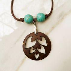 Round Leaf Pendant Necklace