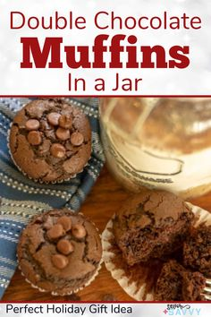 Make this super quick and easy muffin in a jar gift for neighbors, friends and volunteers with free printable tag. These tender double chocolate muffins are perfect with a cup of coffee or tea. #giftinajar #jargifts #muffinjargift Double Chocolate Chip Muffins, Lemon Blueberry Muffins, Melting White Chocolate, Muffin Mix, Protein Muffins, Pancakes And Waffles, Breakfast Smoothies, Vegetarian Chocolate, Food Gifts