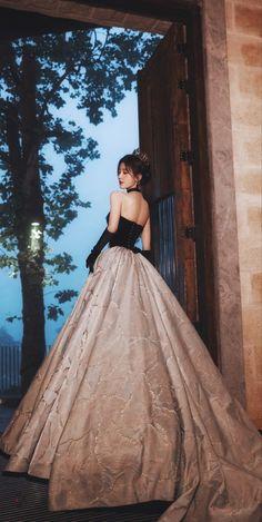 Pretty Korean Girls, Cute Korean Girl, Asian Girl, Korean Princess, Prom Party Dresses, Wedding Dresses, Blue Ball Gowns, Korean Fashion Dress, Fantasy Gowns