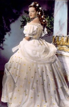 Romy Schneider - Birthday - Picture Galleries - Mediacenter - Tagesspiegel - Sissi in den - Electrónica Princesa Sissi, Impératrice Sissi, Victorian Fashion, Vintage Fashion, Empress Sissi, Actrices Hollywood, Old Dresses, Movie Costumes, Party Dresses