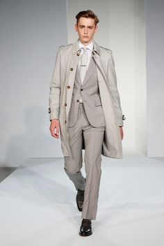 Gieves & Hawkes Spring 2015 Menswear - Collection - Gallery - Look 1 - Style.com