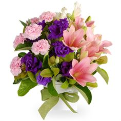 Ellen - Lisianthus has become an incredibly popular flower in recent years, and has featured heavily in wedding bouquets.