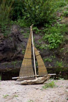 Sejlskib lavet på drivtømmer