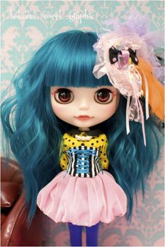 Love this outfit and the blythe !