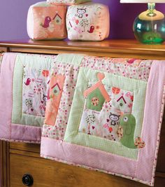"""Quilting patterns - Free 42"""" Baby Quilt with Bird Applique Pattern to Make in a Weekend!"""
